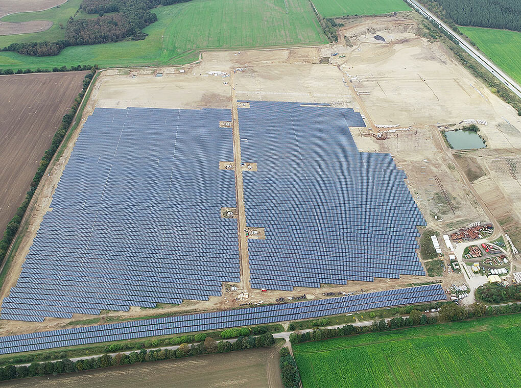 The picture shows the PV power plant Zietlitz during the construction phase.