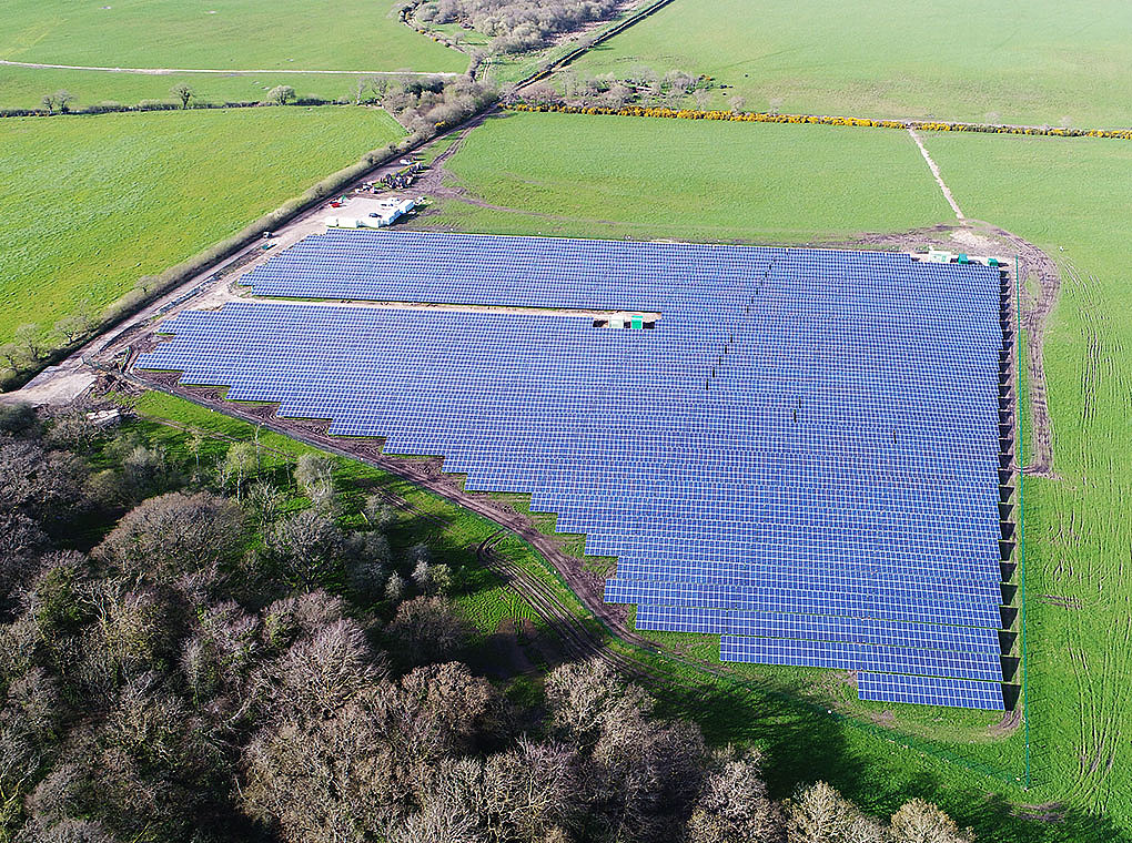 The picture shows the 4.998 MWp solar park in Galton Manor.